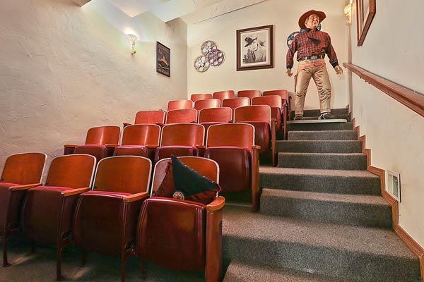 theatre chairs in 217 E. Walnut St, Green Bay